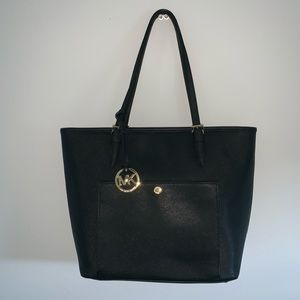 AUTHENTIC Michael Kors large tote w/ gold hardware